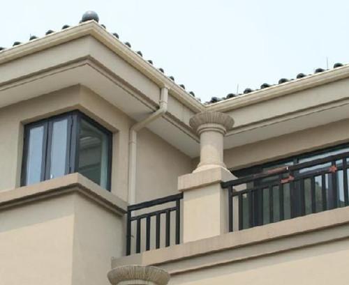 房屋落水管安装规范 房屋落水管间距怎样计算
