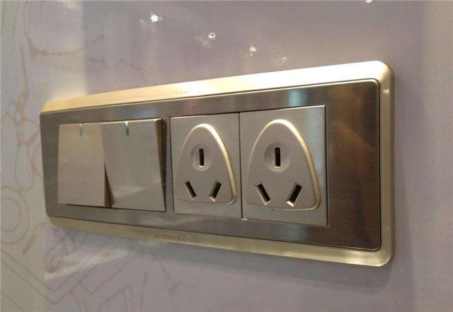墙壁插座怎么安装