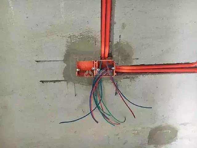 水电改造要不要开槽?听老师傅这么一说我们明白了