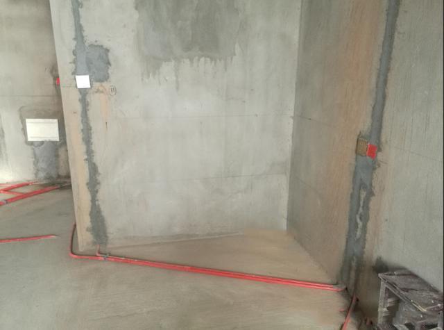 新房装修,被400元一天的水电师傅的手艺震撼到了,这才叫标准!